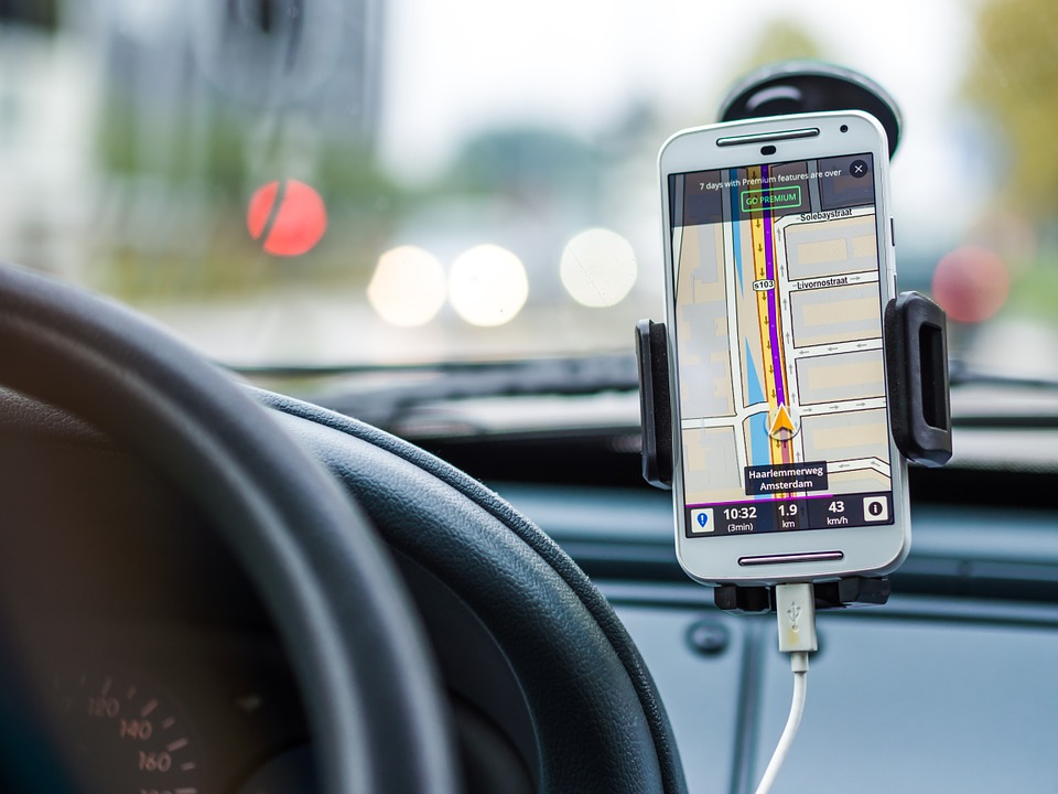nuevas-tecnologias-habitos-conduccion
