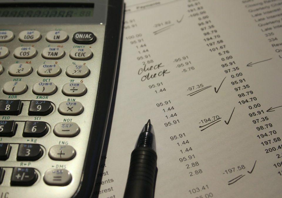 ¿Qué es la 'oferta motivada de indemnización' que debe presentar la aseguradora responsable del siniestro?