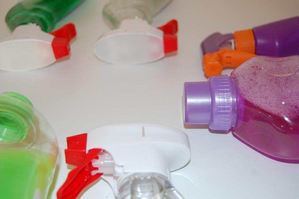 Accidentes laborales con sustancias peligrosas limpieza