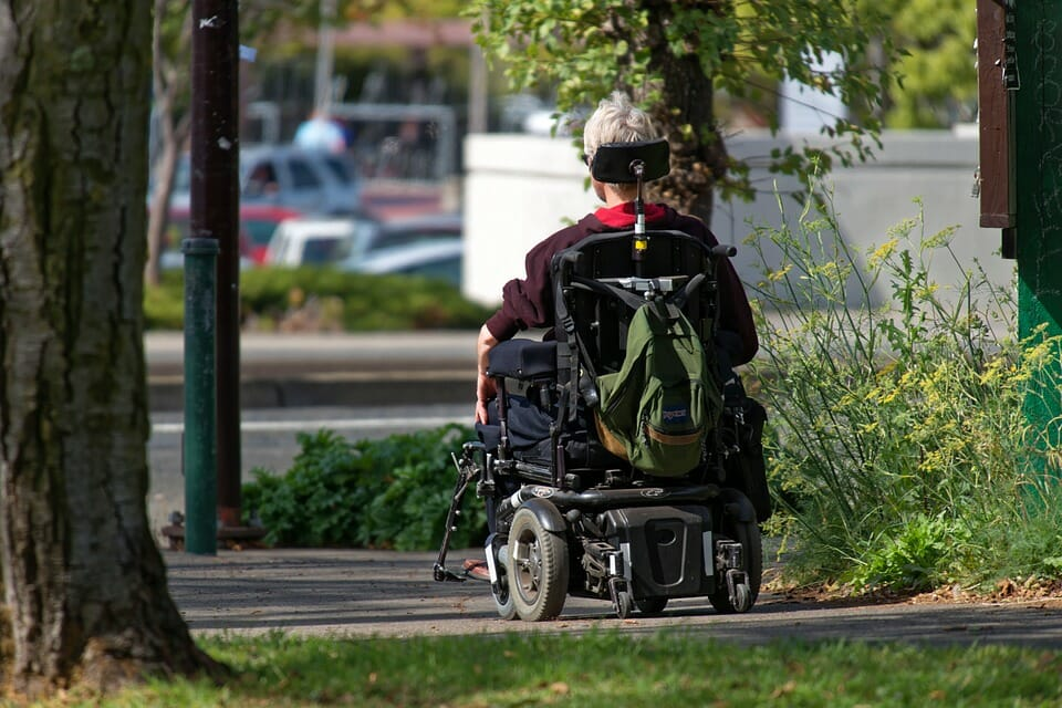 CASO PRÁCTICO: valoración de daños y perjuicios en el Informe Pericial Social de una víctima con lesión medular