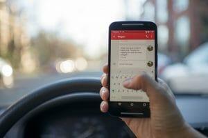 nuevas medidas de tráfico-movil en el coche